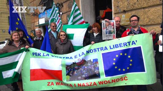fot. https://www.ilsecoloxix.it/p/multimedia/genova/2016/02/09/ASXwFhVB-presidio_consolato_nazionalismi.shtml