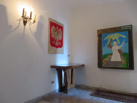 korytarz_polskiej_szkoly_w_rzymie_polacy_we_wloszech