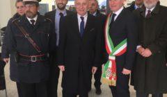 Foto: Archiwum Ambasady RP w Rzymie, Ambasador RP we Włoszech Tomasz Orłowski z burmistrzem Collegno Francesco Casciano i konsulem honorowym RP w Turynie U  lrico Leiss de Leimburgiem (po prawej) przed spotkaniem z włoskimi przedsiębiorcami w Collegno