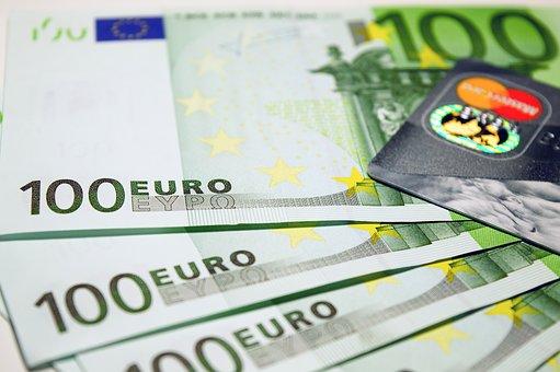 euro-pieniądze-zarobki-Polacy-we-Wloszech