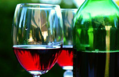 wino-kieliszek-Polacy-we-Wloszech